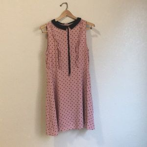 Collared dress with heart print